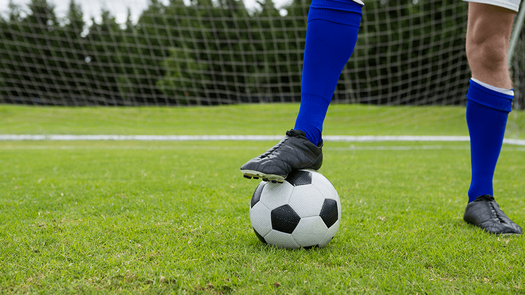 Como proteger as unhas no futebol: riscos e cuidados