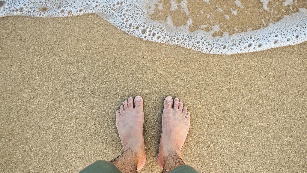 Por que é importante cortar as unhas dos pés?